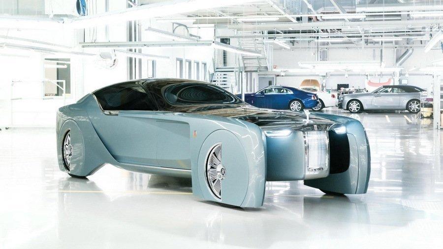 Никаких гибридов, только электромобили— руководитель Роллс Ройс
