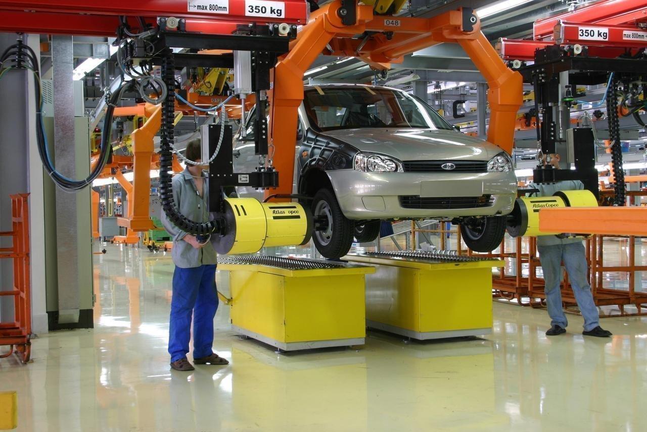 Новая Toyota Auris дебютирует вЖеневе class=