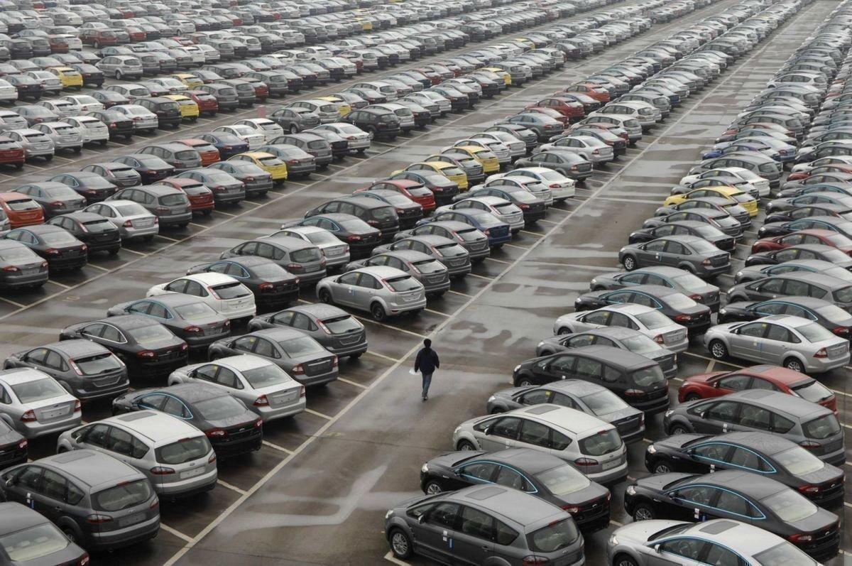Продажи на авторынке России в апреле увеличились на 9%