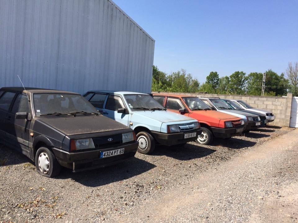 ВоФранции нашли заброшенный салон Lada сраритетными автомобилями
