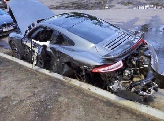 Автосалон «Порше» отказался заменить разбитый вовремя техобслуживания спорткар