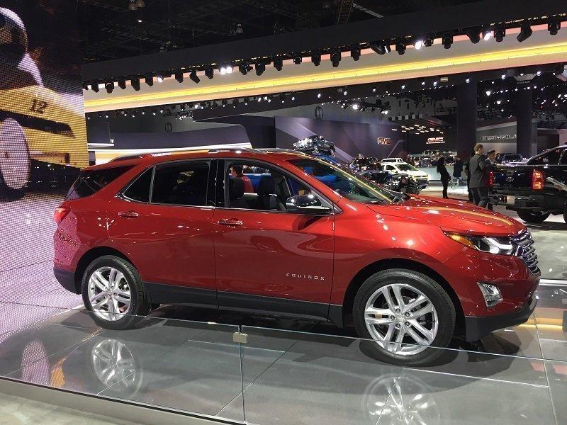 На автомобильной выставке вСША был представлен улучшенный Шевроле Equinox