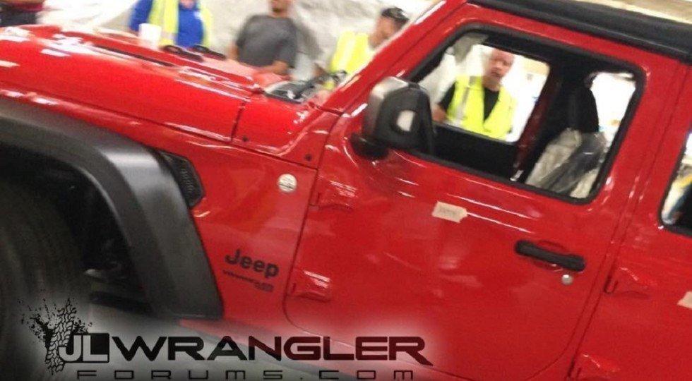 Первые Jeep Wrangler 2018 сошли сконвейера