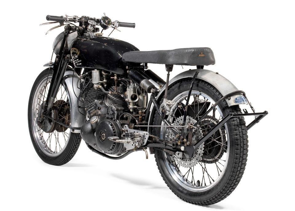 67-летний мотоцикл продали нааукционе за1 млн долларов