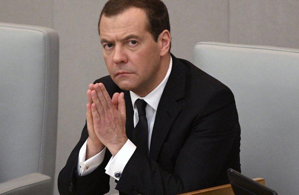 Русских водителей начнут облагать штрафом заотказ остановиться натаможне