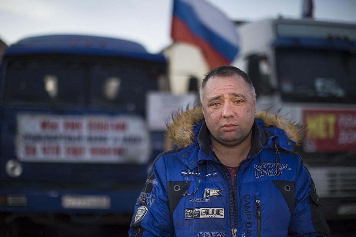 ВПетербурге лидера дальнобойщиков задержали заезду без прав