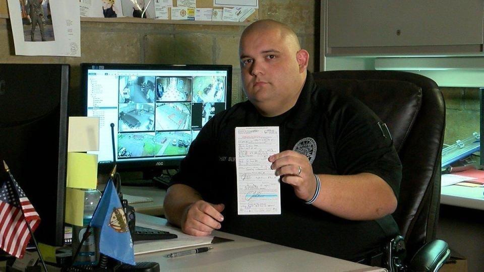 ВСША шеф милиции  наказал себя запревышение скорости