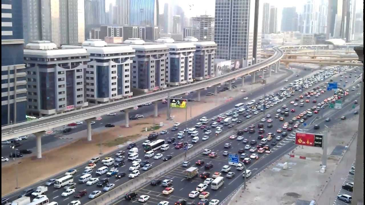 ВДубае шофёр получил штраф вкомментариях квидео в социальных сетях
