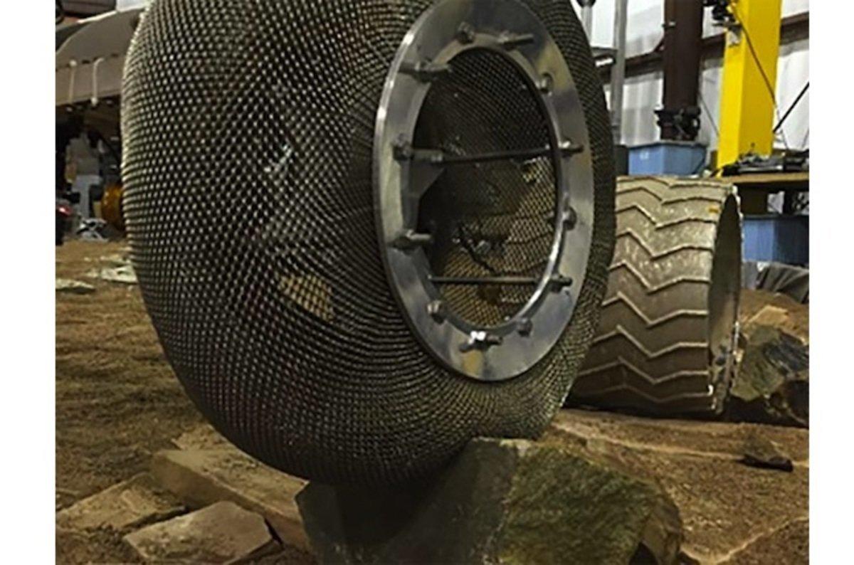 В NASA придумали не убиваемые шины