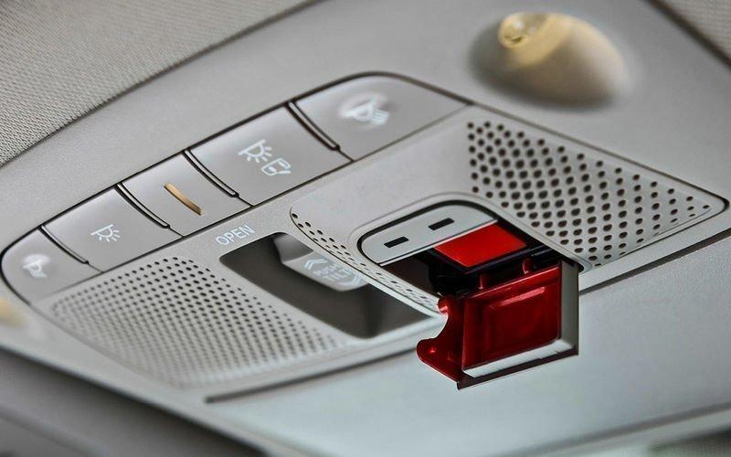 Терминалы «ЭРА-ГЛОНАСС» снабдят клавишей для заказа коммерческих услуг