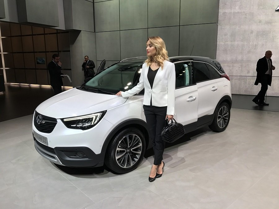 Opel назвал цену нового кроссовера Crossland X