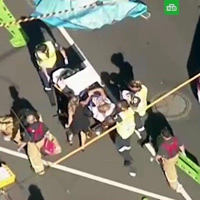 В Мельбурне 19 человек пострадали при наезде автомобиля на толпу пешеходов